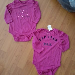 Baby gap girl 2pc lot set sz 6-12mos